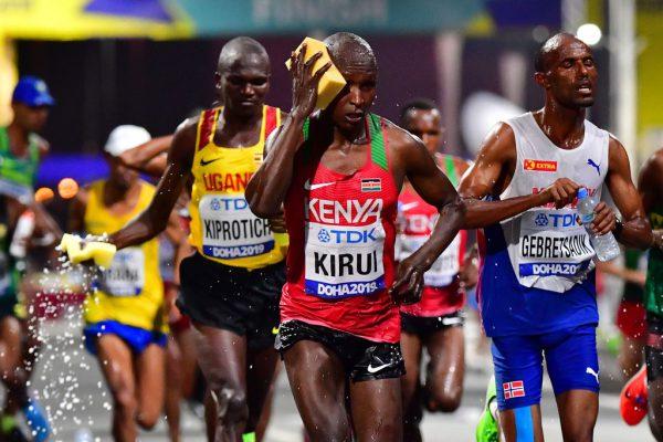 Trotz Durchführung in der Nacht und ständiger Abkühlung mussten beim Marathon bei der Leichtathletik-WM in Katar einige Athleten vorzeitig aufgeben. Dies soll nun auch Konsequenzen für Olympia haben.APA