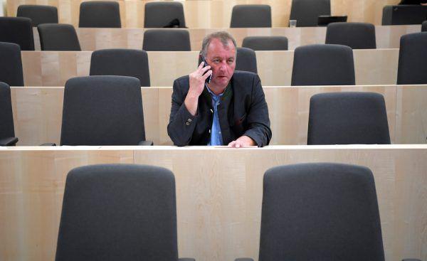 FPÖ-Mandatar Wolfgang Zanger.APA/ROLAND SCHLAGER