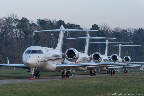 Die Flugzeuge heben wieder vermehrt ab.Peoples