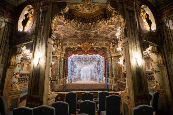 Barock, wohin das Auge reicht: Max Emanuel Cencic und das Marktgräfliche Opernhaus.Parnassuss Arts Productions (1)/APA/AFP/DPA (1)