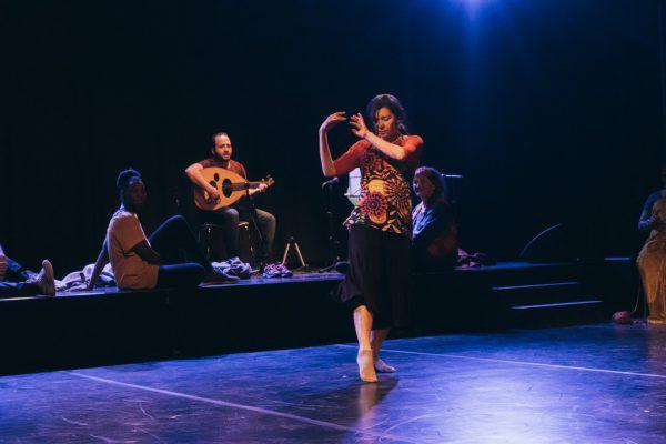 Claudia Grava, im Hintergrund Deborah Macauley, Moaz al Shamma und Margarete Müller (v.l.).Sarah Mistura
