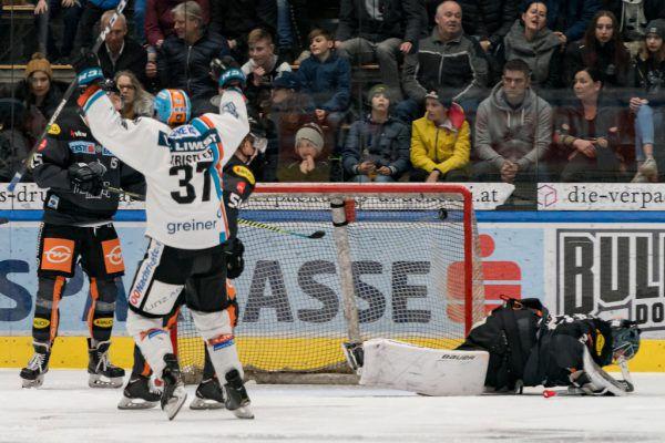 DEC-Goalie Juha Järvenpää musste sich sechs Mal geschlagen geben, kam nur auf eine Fangquote von 75 Prozent.