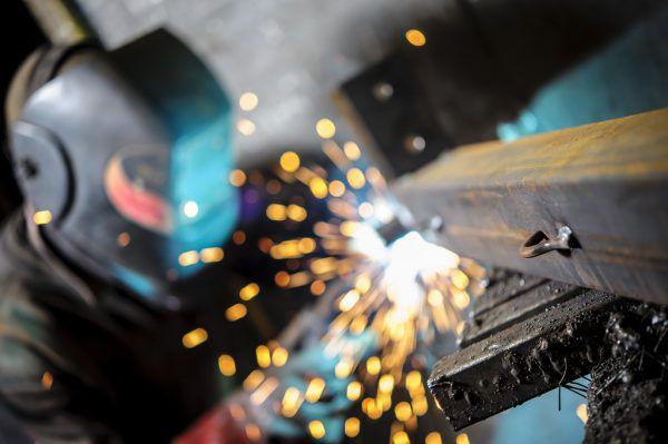 Der Fachkräftemangel ist in der Industrie nach wie vor eine Herausforderung.Shutterstock, WKV
