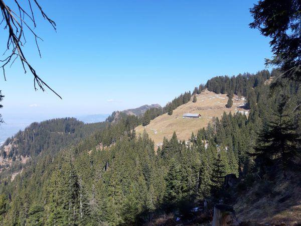 Ein grandioses Panorama kann man bei der Wanderung auf die Hohe Kugel genießen.Hertha GLück (3), Shutterstock