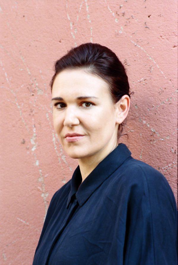Autorin und Soziologin Birgit Birnbacher, geboren 1985, lebtinSalzburg.Bogenberger Autorenfotos