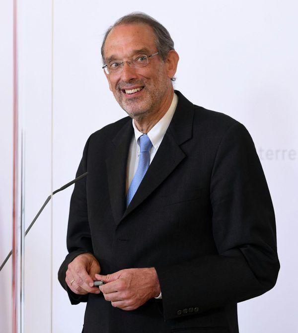 Bildungsminister Heinz Faßmann: Notenkonferenz erst im Juli.APA