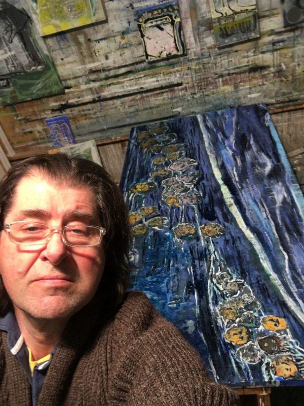 Harald Gfader in seinem Atelier in Göfis.Harald Gfader