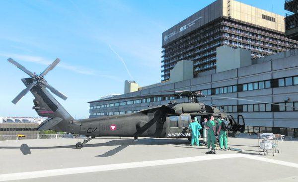 """Mit dem """"Black Hawk"""" wurde die Ausrüstung transportiert. HBF/Pusch"""