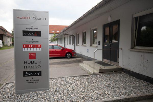 Huber hat Markenrechte gruppenintern in Österreich transferiert.Hartinger
