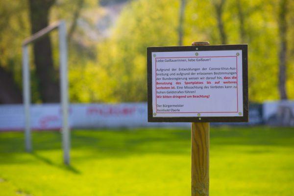Die Vereine in Österreich leiden unter Platzsperren und Spielverboten.Klaus Hartinger