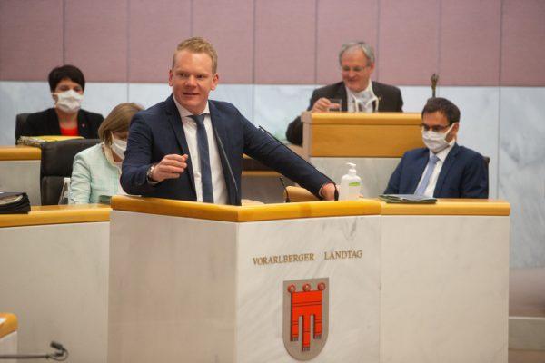 FPÖ-Chef und Klubobmann Christof Bitschi sieht eine Verhöhnung der von der Corona-Krise Betroffenen.
