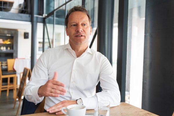 Garry Thür kritisiert die Landesregierung. Stiplovsek