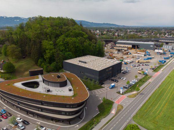 Das Unternehmen – im Bild der Firmensitz von Loacker Recycling in Götzis – rechnet 2020 mit deutlichen Rückgängen.Klaus Hartinger