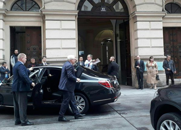 Der russische Vize-Außenminister Rjabkow (2.v.l.).APA/DEMCISIN