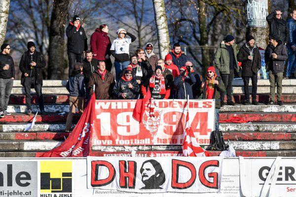 Die treuen Dornbirn-Anhänger dürfen erst zur neuen Saison wieder auf die Birkenwiese.Gepa/Lerch