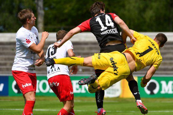 Lucas Bundschuh (r.) stand erstmals wieder seit dem 0:4 gegen Wacker Innsbruck am 1. März im Dornbirner Kasten.GEPA/Lerch