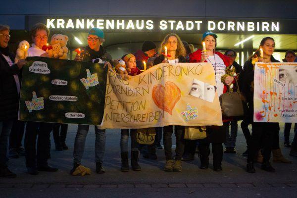 Seit Jahren kämpfen betroffene Familien für den Erhalt der Kinderonkologie am Stadtspital Dornbirn. Archiv/Hartinger