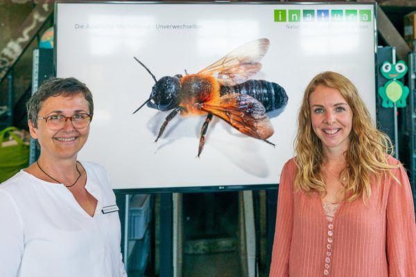Anette Kestler (l.) und Julia Lanner stellten das Projekt in der Inatura vor.