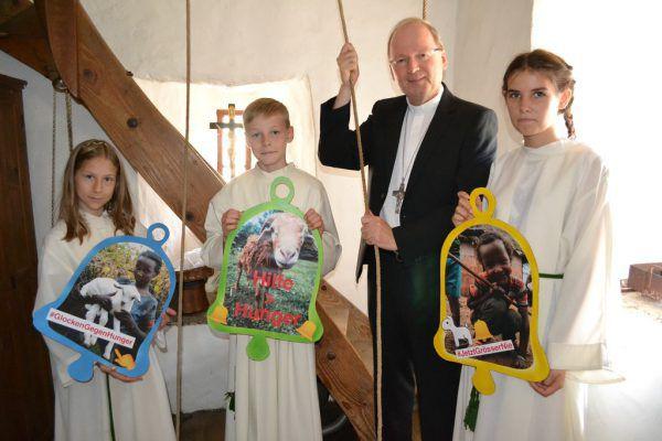 Auch Bischof Elbs wird die Glocken läuten.Caritas