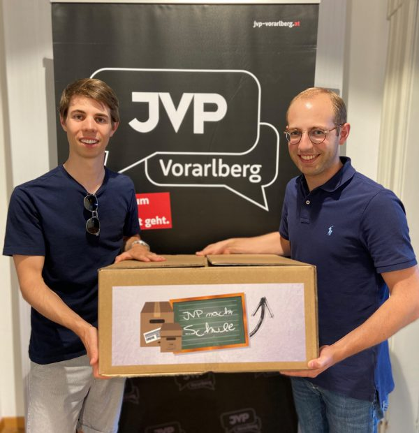 Clemens Fröwis (l.) und Raphael Wichtl von der JVP. JVP Vorarlberg