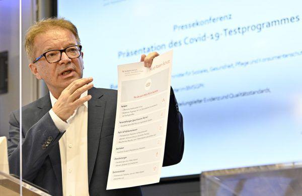 Gesundheitsminister Rudolf Anschober will nach Lockerungsmaßnahmen jetzt Ampelsystem einführen.APA