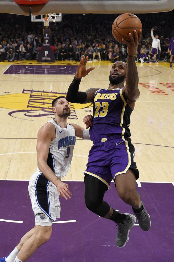 LeBron James von den LA Lakers brachte es in der Regular Season im Schnitt auf 25,7 Punkte und 10,6 Assists.AP