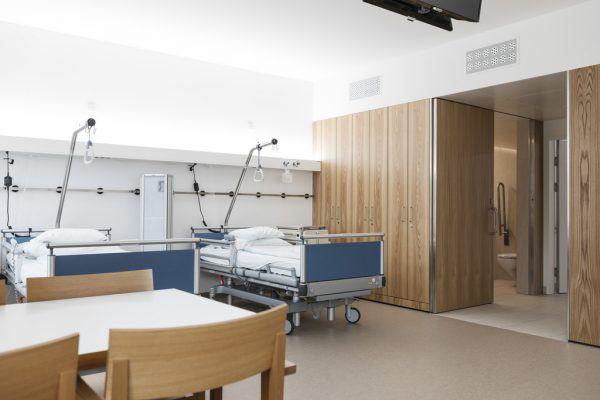 42 Patientenzimmer der Stationen konnten bereits bezogen werden. Die Abteilung für Gynäkologie und Geburtshilfe ist bereits umgezogen.Lisa Mathis (3)