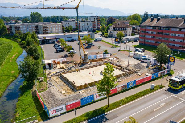 Auf dem Lidl-Parkplatz wird schon fleißig gebaut.Stiplovsek