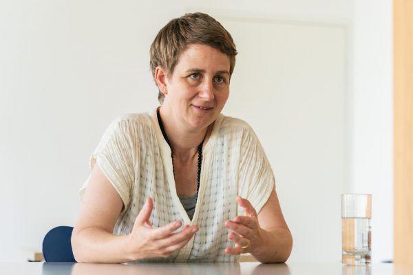 """Elisabeth Stöppler (kleines Bild) inszeniert """"Impresario Dotcom"""".Dietmar Stiplovsek(1)/Bregenzer Festspiele/Fabio Stoll (1)"""