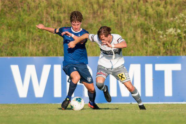 FC Bizau (r.) startet mit drei Zählern in die Saison.stiplovsek
