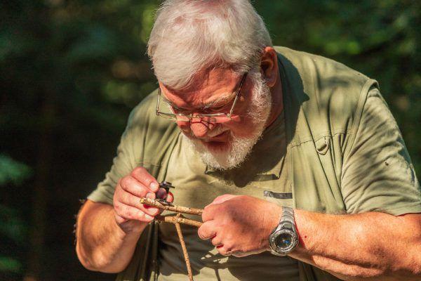 Hansjörg Kevenhörster hat es sich zur Aufgabe gemacht, die Welt der Pilze ganz genau zu erkunden.Dietmar Stiplovsek/Shutterstock