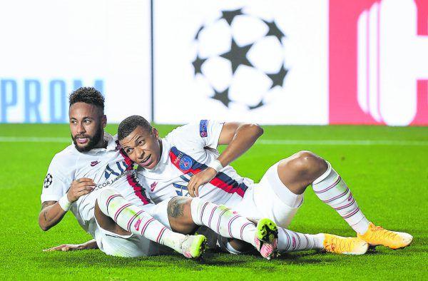 Neymar und Mbappe jubelten ausgelassen.Reuters
