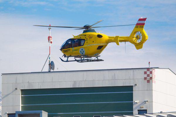 Vierjähriger mit Rettungshelikopter ins Spital geflogen. Hartinger