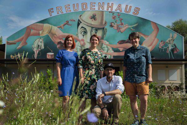 V.l.n.r.: Heidi Wimmer und Christiane Wohlgenannt, Roman Zöhrer und Lisa-Marie Berkmann. Kleines Bild: Der neue Freudenhaus-Leiter.Marcel Hagen (1)/Robert Peres (1)