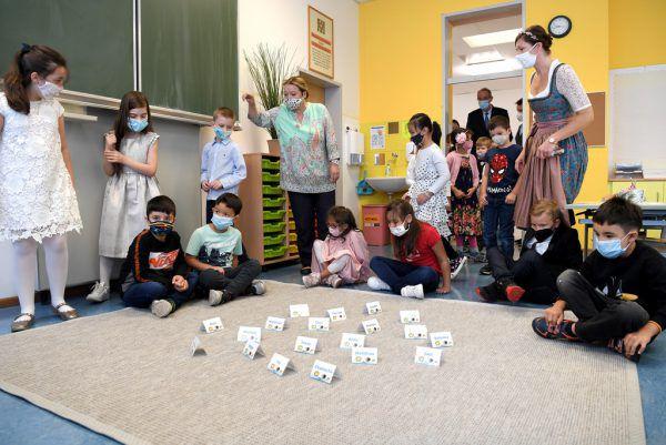 Anders als in Wien (Foto) werden die Kinder beim Schulstart in Vorarlberg keinen Mund-Nasen-Schutz tragen müssen. Vorausgesetzt: Die Corona-Ampel bleibt auf Grün.Apa/schlager