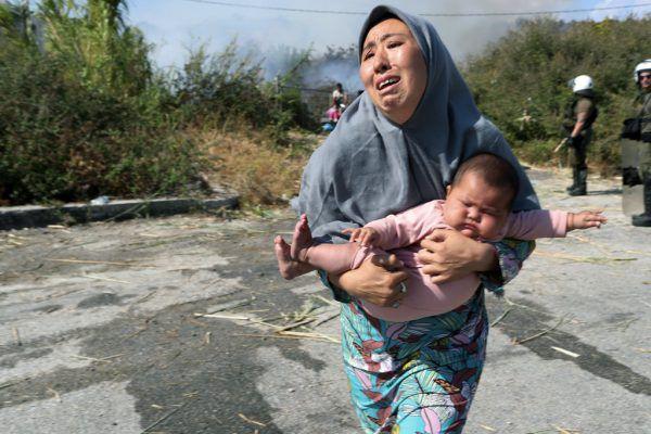 Auf Lesbos spielt sich eine humanitäre Katastrophe ab. AP