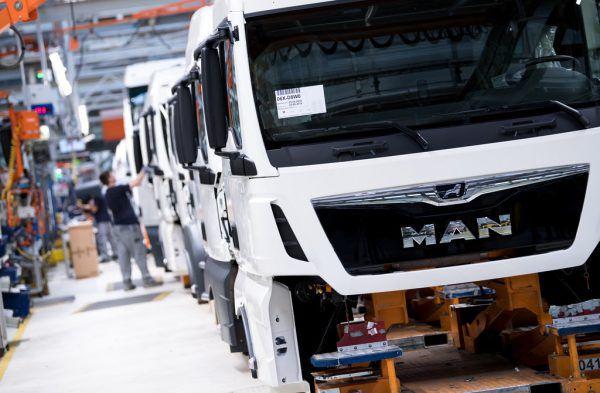 Bei MAN werden fast 10.000 Stellen abgebaut. Auch in Österreich ist ein Werk in Gefahr.APA/dpa