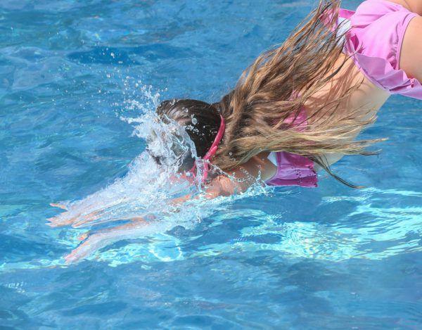 Ein Schwimmbadbesuch war heuer wohl für einige der Ersatz für den Urlaub.