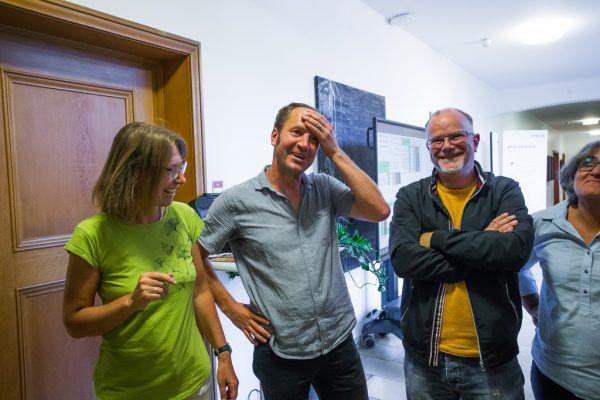 """Freude bei Stadträtin Juliane Alton und dem """"neuen Mann"""" Martin Hämmerle (beide Grüne)."""