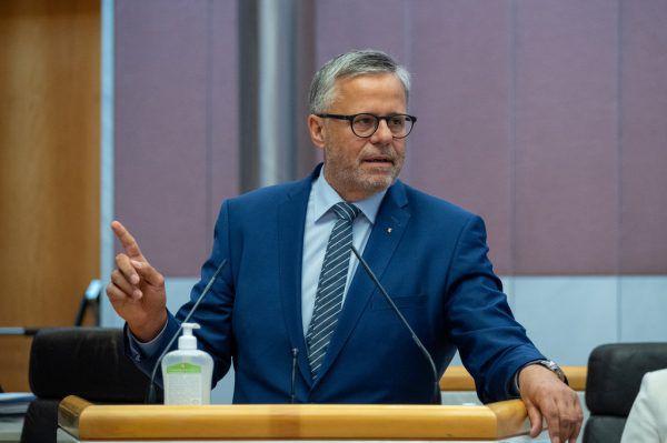 Der Finanzausschuss hat die Aufnahme des Darlehens beschlossen. Im Bild: Roland Frühstück.Mauche