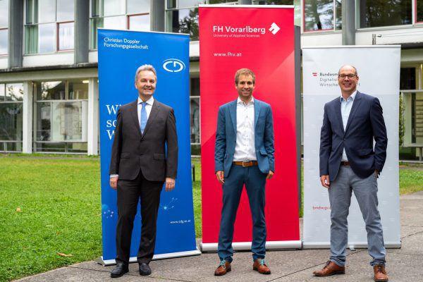 Heinz Seyringer, Leiter Forschung an der FH, Markus Preißinger, Leiter des neuen Josef-Ressel-Zentrums, und Stefan Fitz-Rankl, Geschäftsführer der FH Vorarlberg (v.l.). FHV