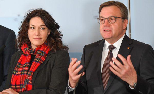 Landeshauptmann Günther Platter und Stellvertreterin Ingrid Felipe (Grüne).apa