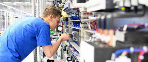 Mit dem neuen Bonus sollen Unternehmen unterstützt werden, die benachteiligte Jugendliche einstellen.VLK/Müller, Shutterstock