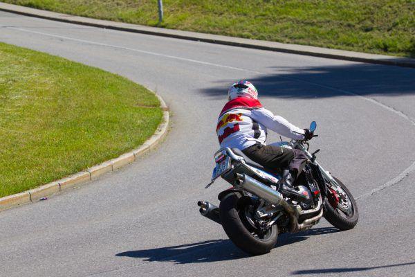 Oft sind Motorradfahrer zu schnell unterwegs.Hartinger