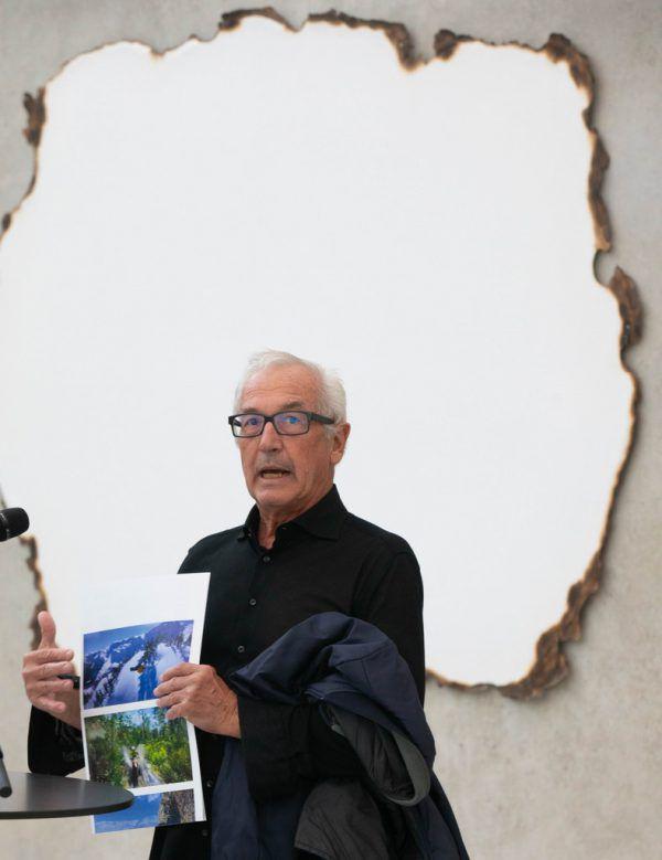 Peter Fischli (unten) und Einblicke in seine KUB-Ausstellung.Klaus Hartinger(3), Markus Tretter(2)