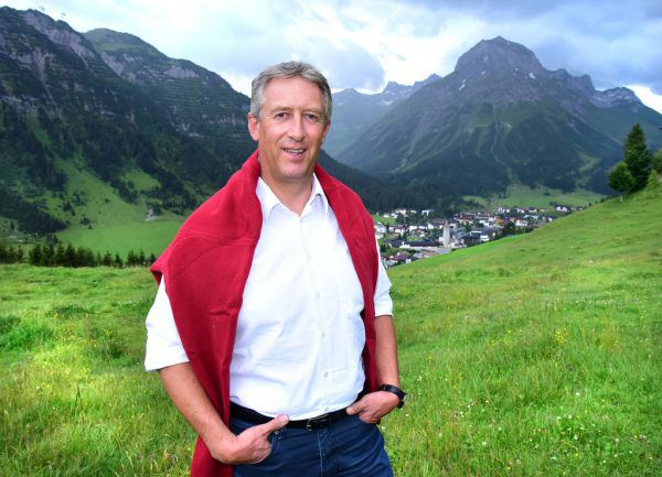 "Stefan Jochum, Liste ""Unser Dorf"", ist neuer Bürgermeister in Lech.APA/BERTL SCHLEICHT"
