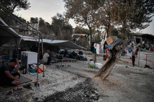 Tausende Menschen stehen nach dem Brand im Lager Moria ohne Unterkunft da. AFP