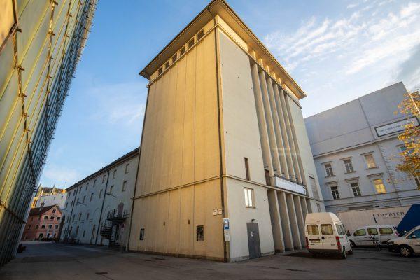 Das Bühnenhaus des Vorarlberger Landestheaters soll baulich an die neue Technik adaptiert werden. Klaus Hartinger