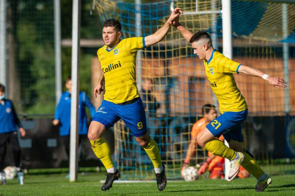 Maurice Wunderli (l.) mit 8 und Jan Stefanon mit 12 Treffern bilden das gefährlichste Sturmduo in der Eliteliga. Nun müssen sie ihr Können gegen einen Bundesligisten beweisen.lerch