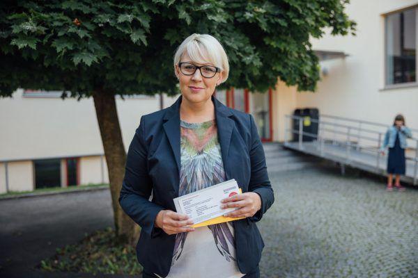 Neos-Chefin und Bildungssprecherin Sabine Scheffknecht. Sams